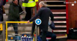 Mourinho reagisce così al gol di Fellaini
