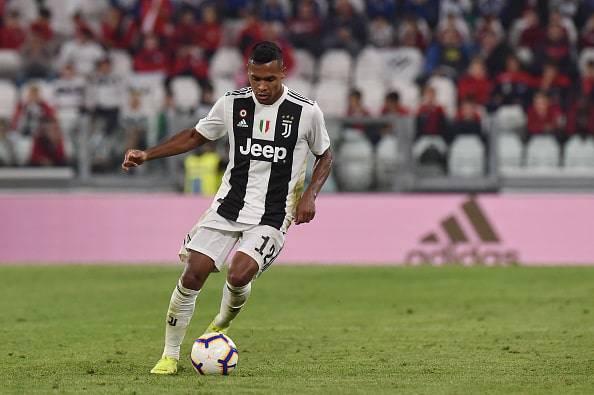 Alex Sandro rinnova con la Juventus