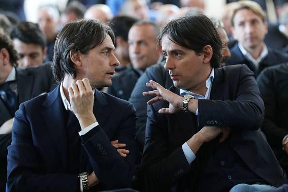 Filippo e Simone Inzaghi durante la premiazione della panchina d'Oro