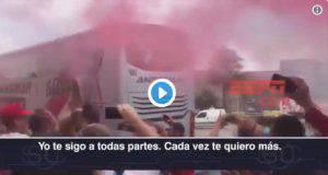 Folla di tifosi per la partenza del River Plate