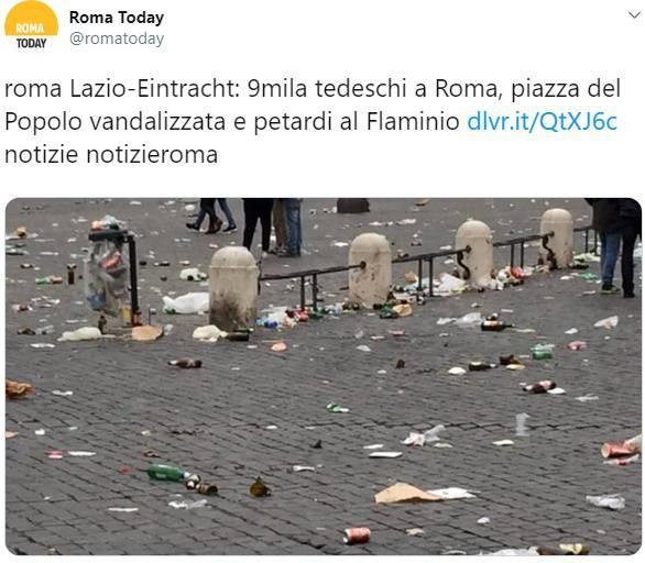 Roma Piazza del Popolo dopo il passaggio dei tifosi tedeschi
