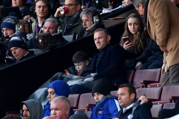 Rooney perquisito prima di Manchester United-Huddersfield