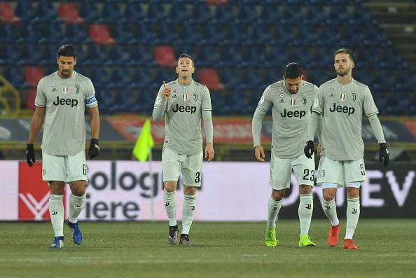 La Juve rende grigia la notte del Bologna