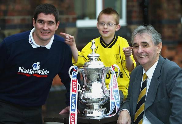 Nigel Clough insieme al padre Brian, un mito del calcio inglese