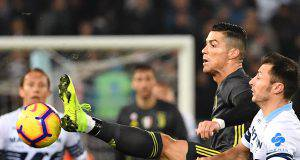 Ronaldo frenato da Radu