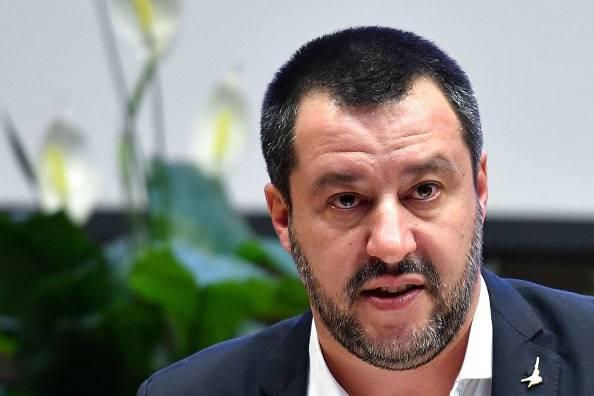 Salvini ancora sulla chiusura degli stadi