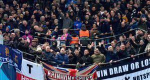 Lo spicchio dei tifosi del Tottenham a Dortmund
