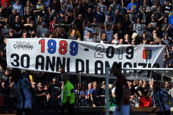 Lo striscione esposto durante Udinese-Genoa