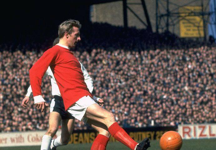 Denis Law nel 1968 con la maglia del Man United