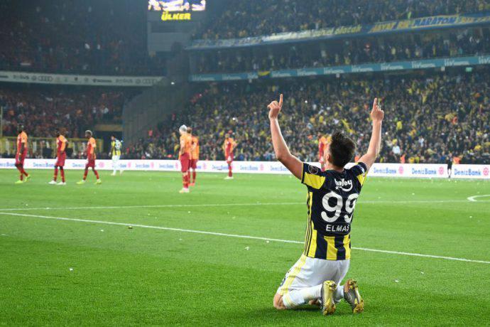 Il macedone Elif Elmas dopo il gol nel derby