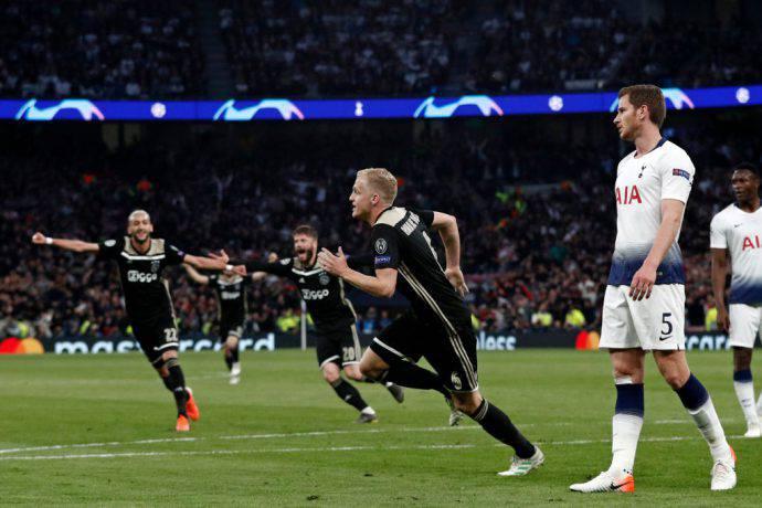 L'Ajax segna il goal vittoria a Londra!