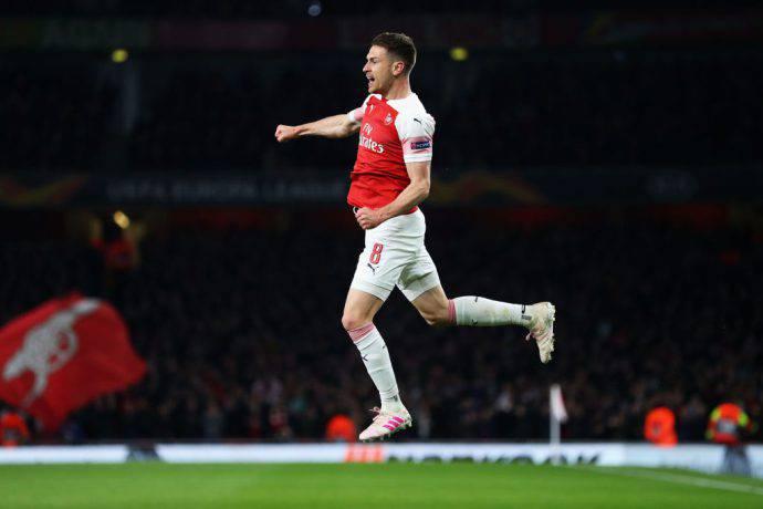 Ramsey vola in cielo dopo un suo goal