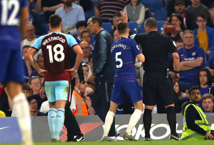 Sarri espulso nel finale di Chelsea-Burnley