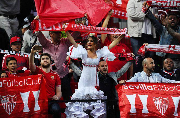 Una tifosa speciale per il Siviglia