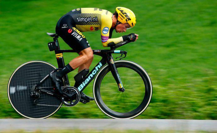 Primoz Roglic nella crono vinta a San Marino