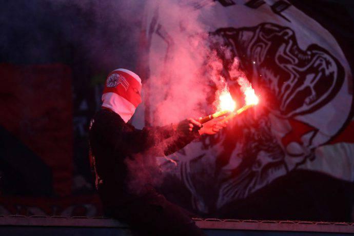 Tifosi dell'Ajax in azione