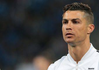 Cristiano Ronaldo nei guai: il figlio di 10 anni guida una moto d'acqua