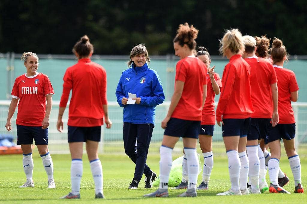 Mondiali calcio femminile, l'Italia in allenamento