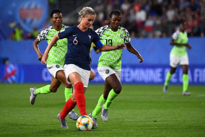 La Nigeria cerca di fermare la Francia