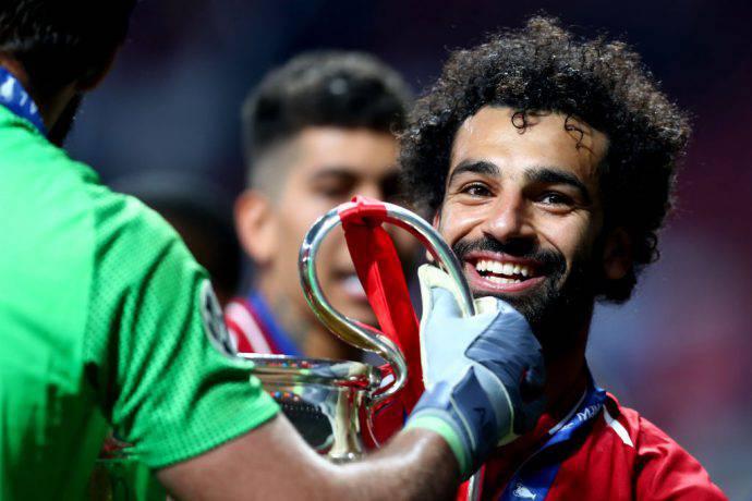 Salah sorride insieme ad Alisson
