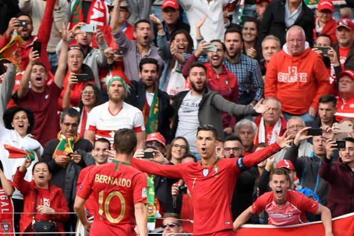 Tripletta di Ronaldo alla Svizzera!