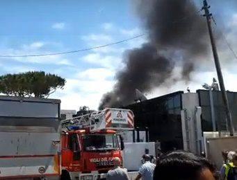 incendio nella sede Sky di Roma