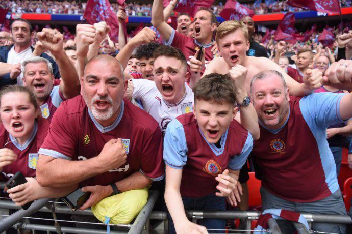 Le splendide maglie dell'Aston Villa