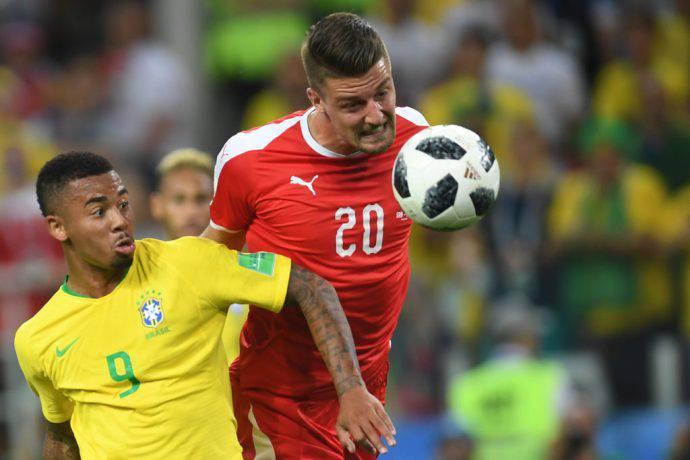 Milinkovic-Savic durante Serbia-Brasile