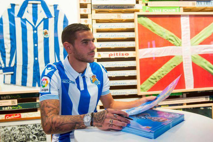 Theo Hernandez alla Real Sociedad
