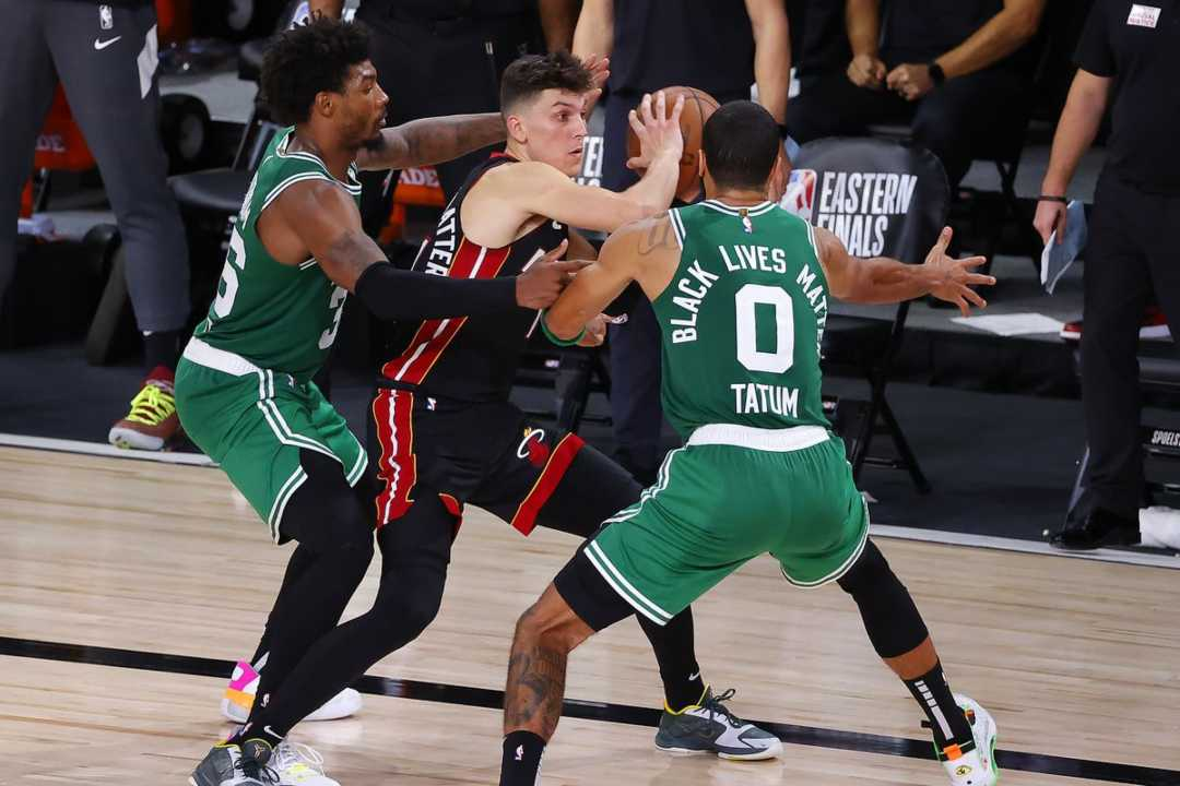 Basket Nba Boston Celtics battono Miami e continua a sperare - VIDEO