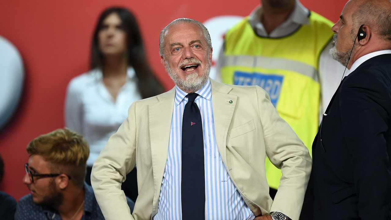 Serie A | Napoli, spunta sui social la nuova maglia (FOTO)