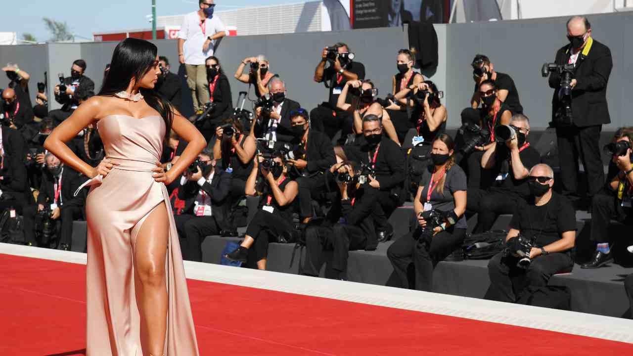 Georgina Rodriguez, il bikini leopardato è mozzafiato