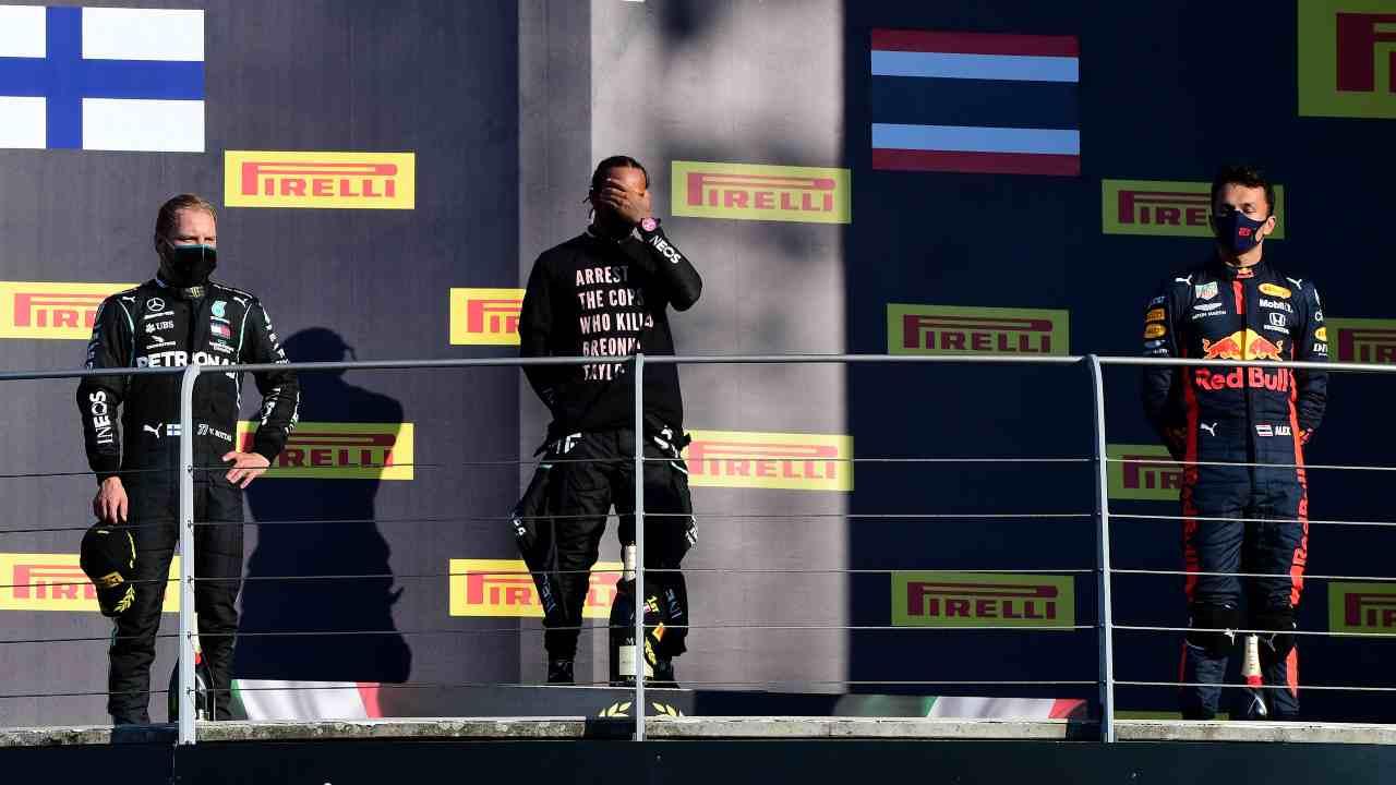 Formula 1 | Hamilton e la maglietta: rischio inchiesta per il campione