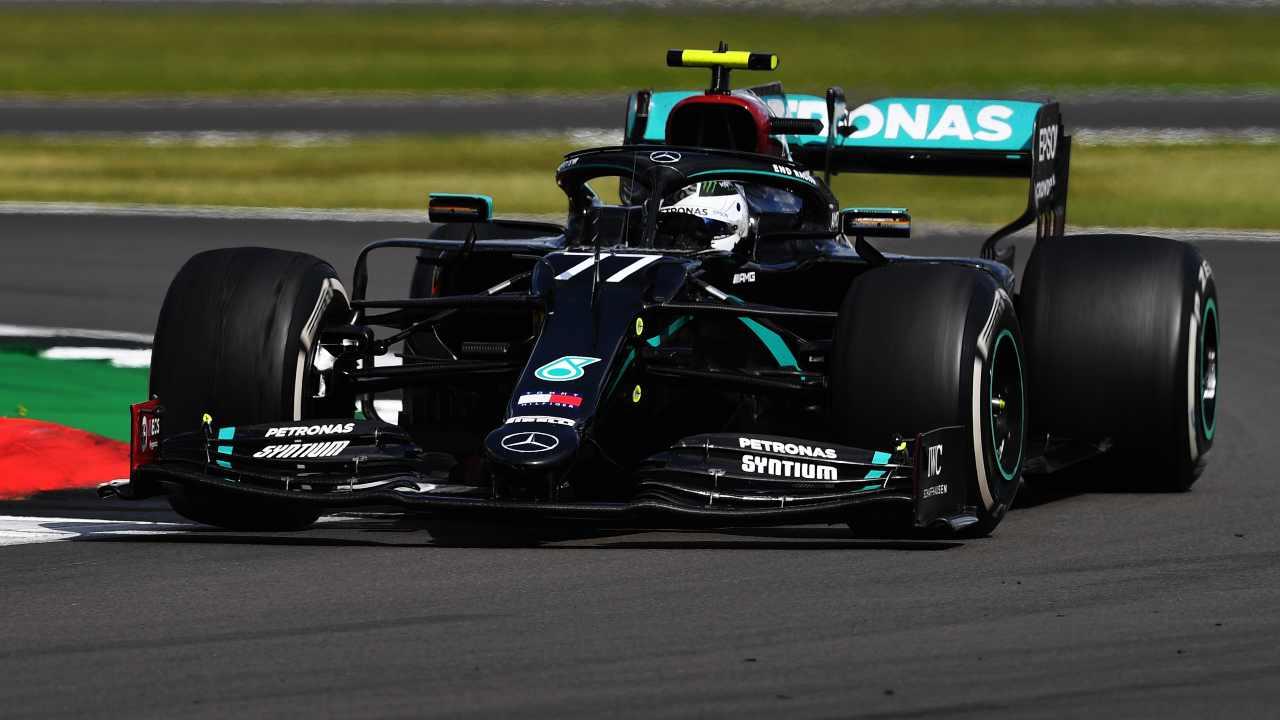 Valtteri Bottas rinnova con la Mercedes