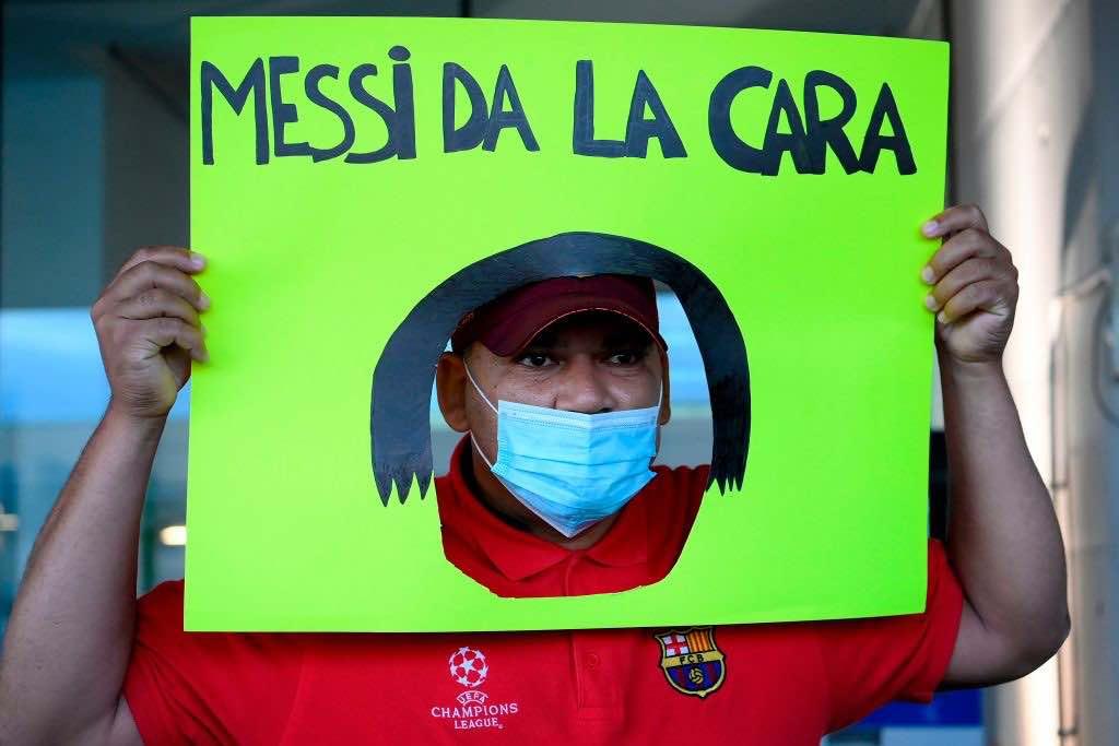 Un tifoso chiede a Messi di metterci la faccia facendo sapere il suo pensiero ai tanti fan
