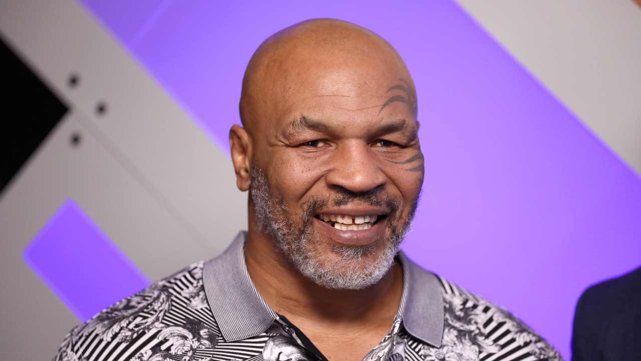 Rinviato il match di Mike Tyson