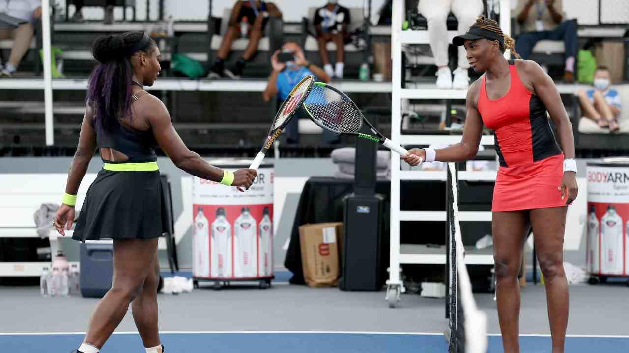 Tennis | Serena batte Venus sotto gli occhi di un infiltrato (VIDEO)