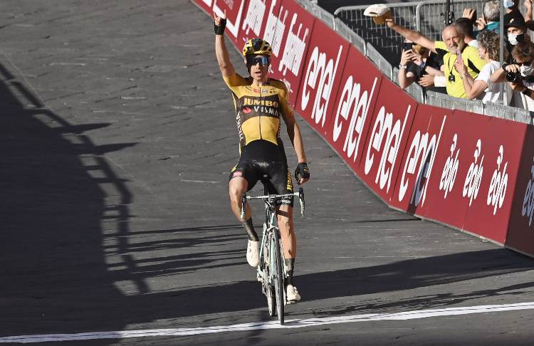 Strade Bianche, Van Aert, Siena, ciclismo