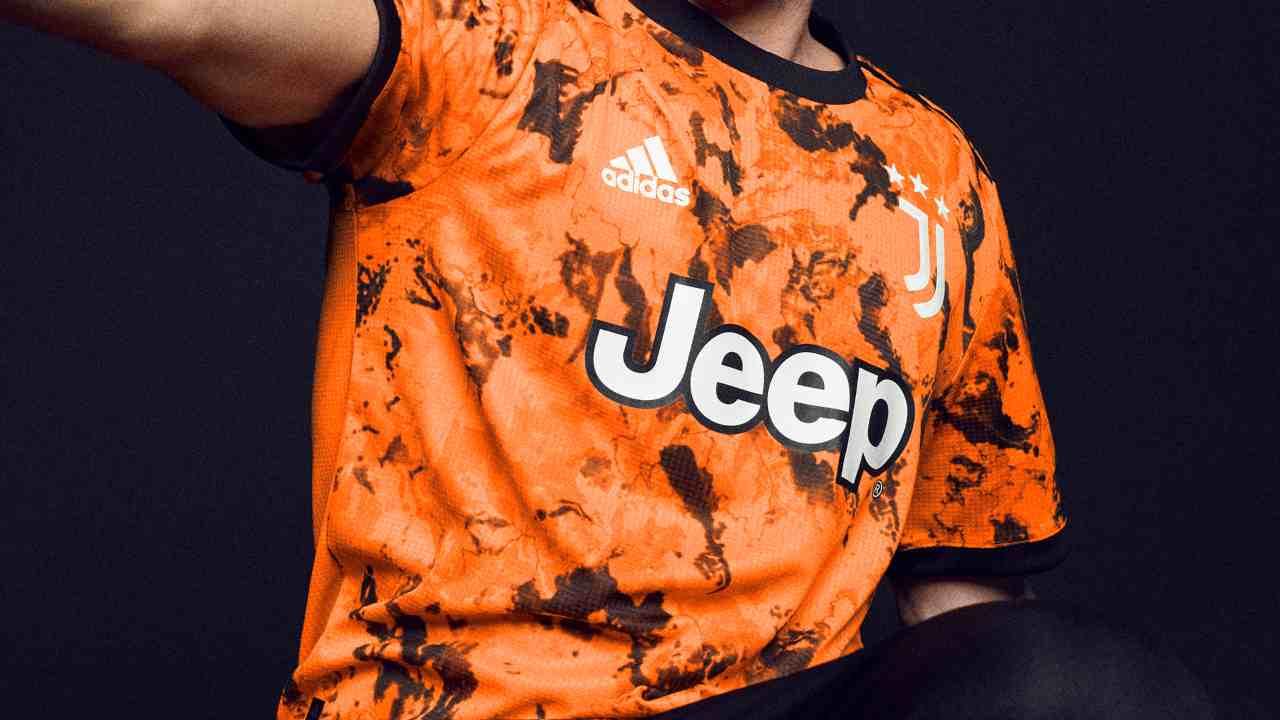 Serie A | La terza maglia della Juve è arancione (FOTO)