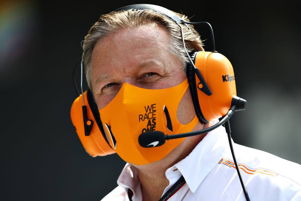 Zac Brown, team manager Mclaren, passo in dietro