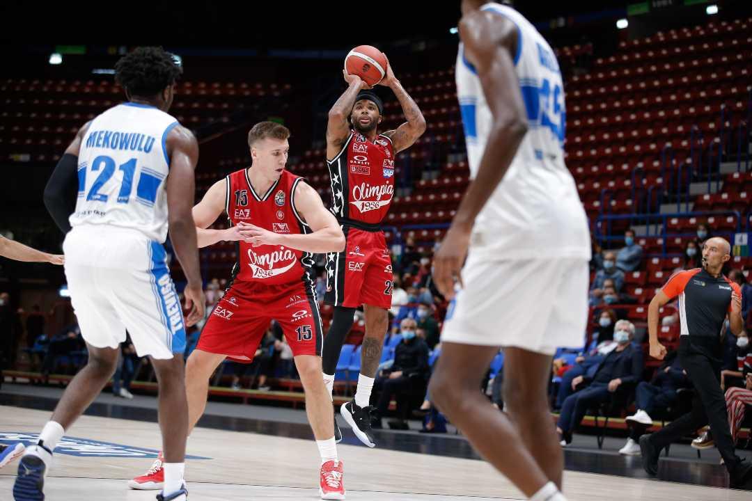 Basket | Serie A, 2ª Giornata. Milano vince facile, la Virtus Bologna la spunta di un punto a Brescia