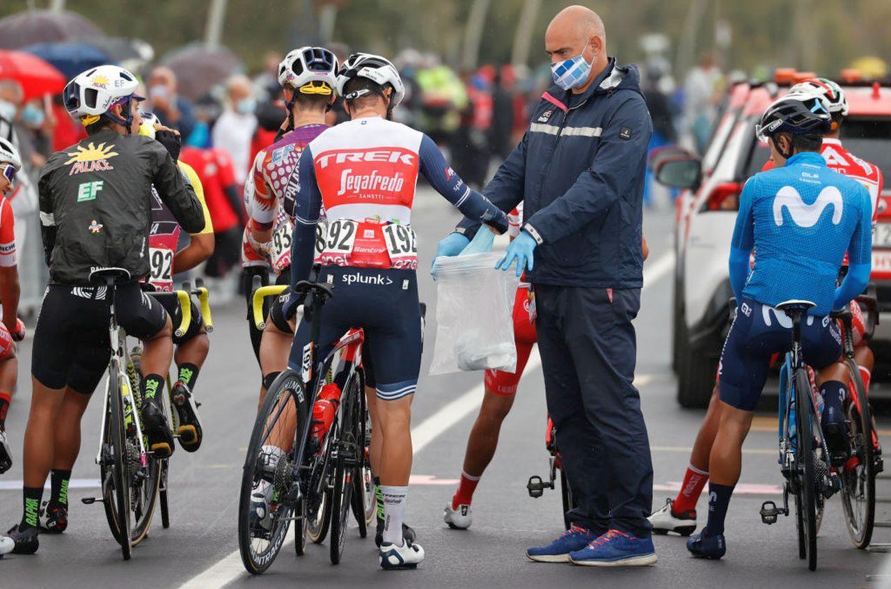 Giro d'Italia | Otto positivi al Covid. E un team si ritira