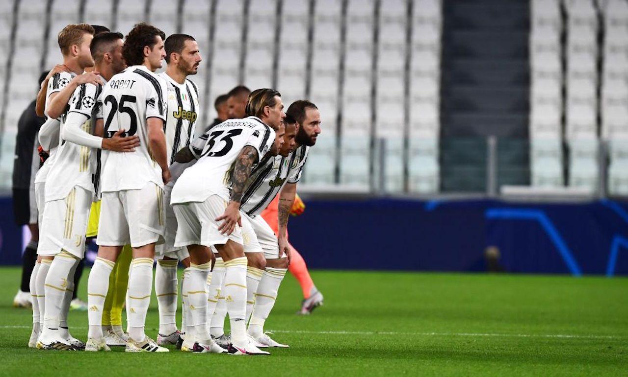 Serie A   Raduno Juventus: scatta l'era Pirlo tra selfie e mascherine - FOTO