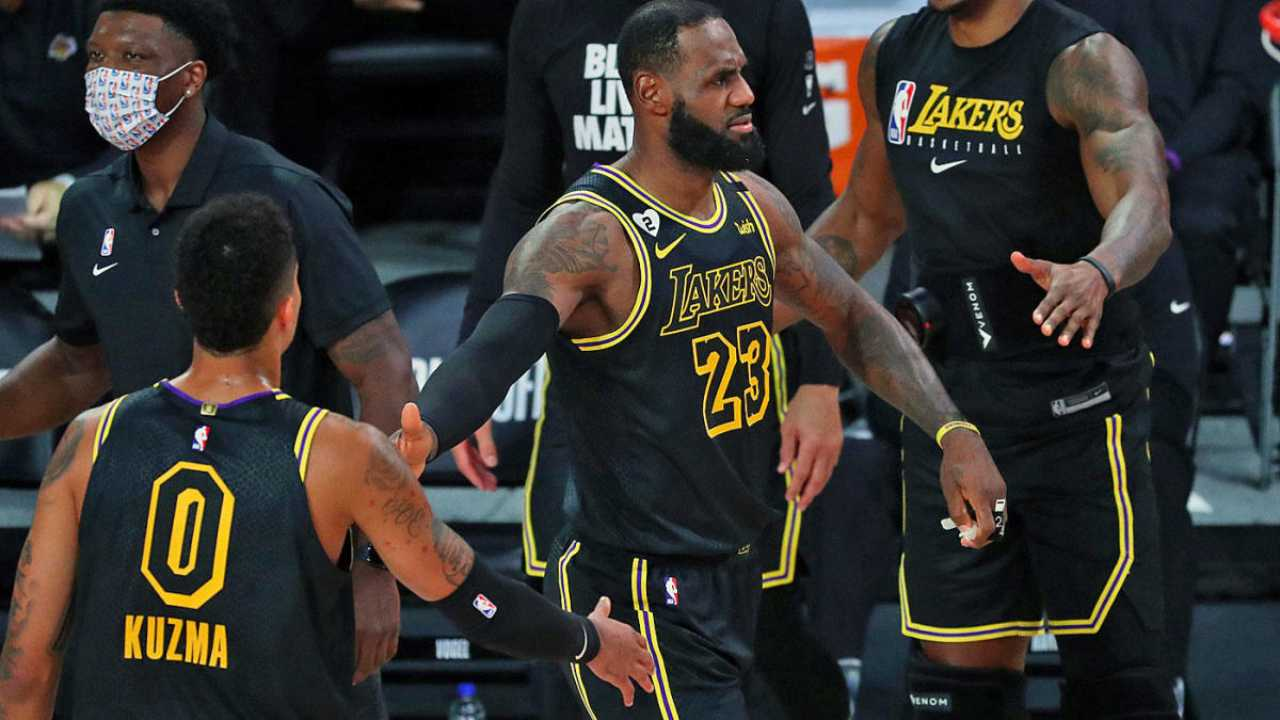 Lebron James guida i Lakers alla vittoria