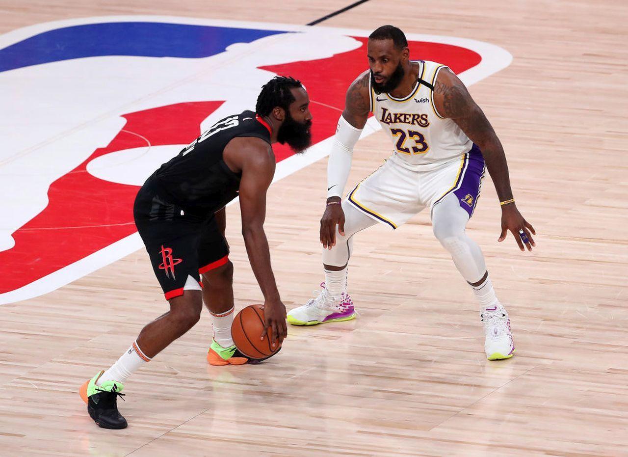Basket NBA Playoff   Miami in finale a Est, Lakers avanti