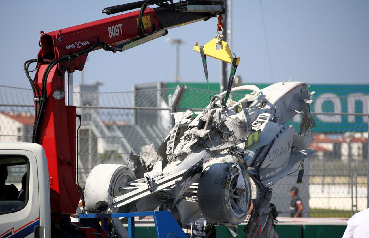 Formula 2 | Sochi, terribile incidente: gara interrotta definitivamente