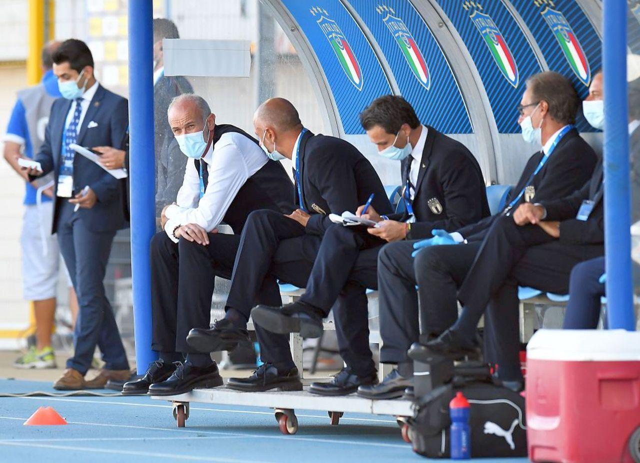 Italia Under 21   Positivi due calciatori: allenamento annullato